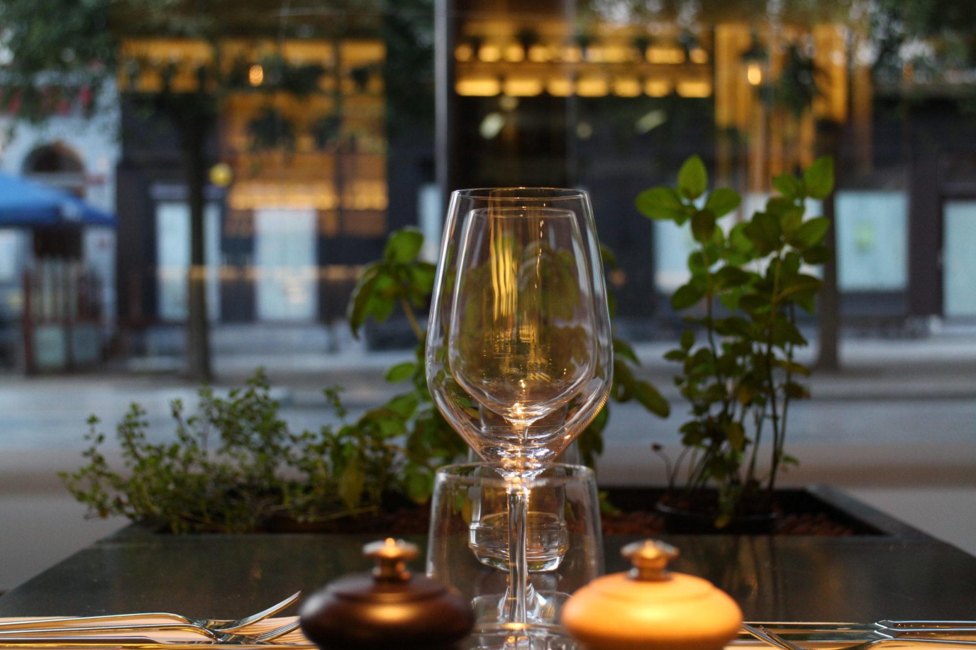 harvest bar à vins bruxelles wine bar brussels wijnbar brussel espace table